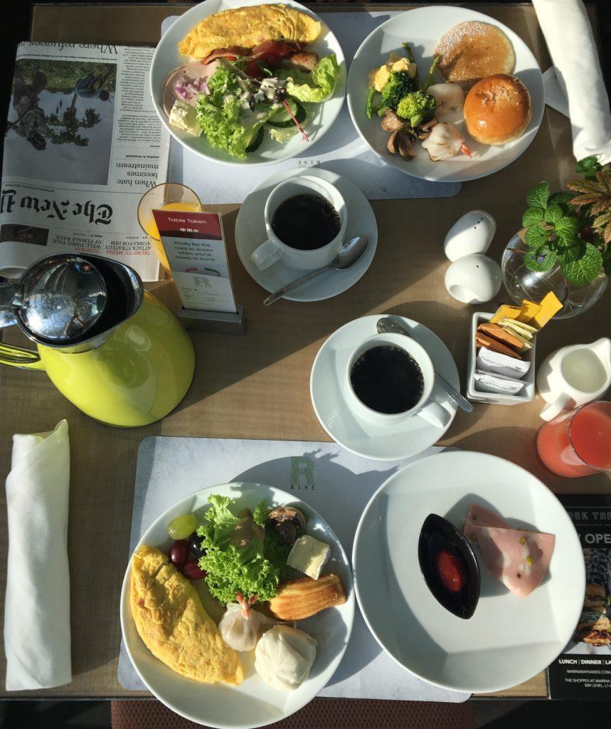 """私たちが""""RISE""""で頂いた朝ご飯を撮影した写真"""