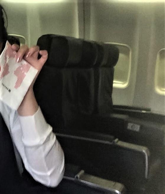 実際に利用したユナイテッド航空ビジネスクラスの座席シートを撮影した写真