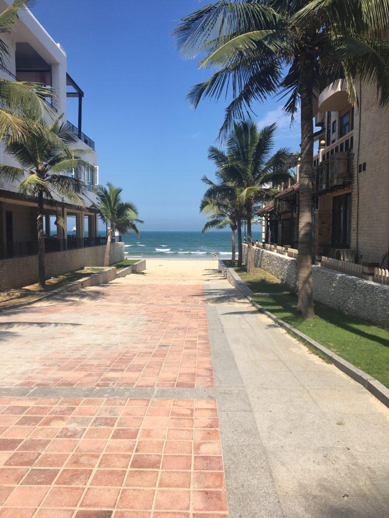 ミーケービーチに向かうまでに実際に通った道を撮影した写真