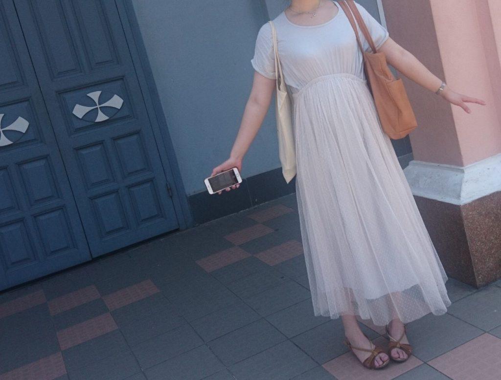 私がホイアンに向かったときに着ていたロングワンピースコーディネートを撮影した写真
